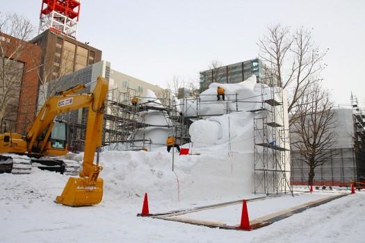5丁目 環境ひろば大雪像 魔法よ、みんなに届け